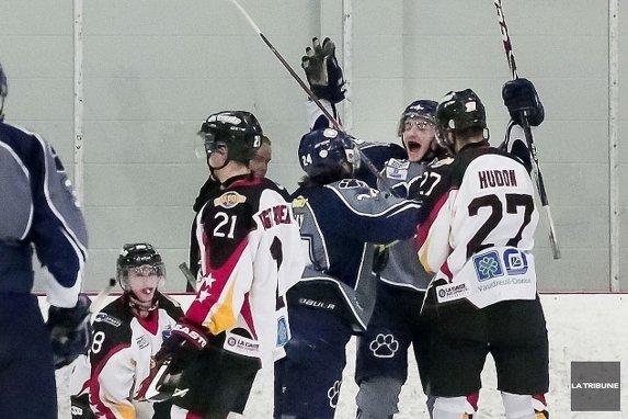Sherbrooke Remporte Le 1er Match Ligue De Hockey Junior
