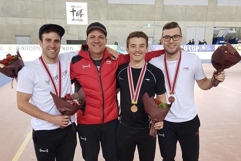 Antoine Gélinas-Beaulieu, Christopher Fiola et Laurent Dubreuil ont signé la première médaille uniquement québécoise de la jeune histoire du Sprint par équipe en Coupe du monde.