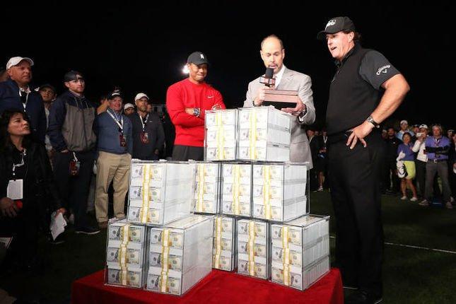 Neuf millions de dollars en beaux billets pour Phil. Est-ce qu'on reverra ça? (Getty)