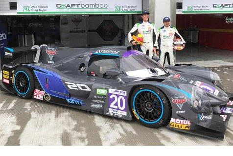 Alex Tagliani au pied du podium lors du weekend inaugural de la série FRD LMP3 en Chine