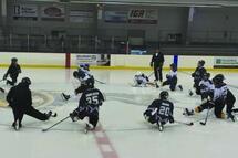 Du hockey adapté est pratiqué à Saint-Jean-sur-Richelieu et à Varennes. (Photo : courtoisie)