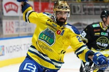 Christian Larrivée dans l'uniforme de Storhamar, en Norvège