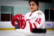 Une joueuse de l'AHFVG au camp d'Équipe Canada