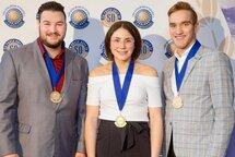 Trois athlètes sont à l'honneur au Centre Bell!