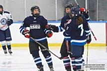 Les étoiles du hockey collégial féminin en action!