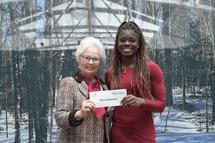 Donna Ntambue récipiendaire d'une bourse de la FAEQ