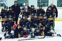 AT C Hawks - champions du Tournoi Winter Freeze de l'Association Mineur Russell