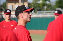Photo ci-dessus : GREG HAMILTON, HEAD COACH OF CANADA'S JUNIOR NATIONAL TEAM, SAYS HE TRIES TO THE TEMPER THE EXPECTATIONS OF HIS PLAYERS PRIOR TO THE MLB DRAFT. PHOTO CREDIT: BASEBALL CANADA