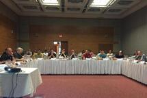 Une rencontre productive pour les arbitres en chef régionaux et les officiels hors glace