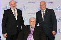 Photo ci-dessus : Jean-Paul Girard (élu en 2016) pose en compagnie des deux nouveaux membres Denis Baillairgé et Pierre Marchand.