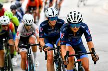Lex Albrecht, cycliste professionnel, recrutée par Fearless Femme