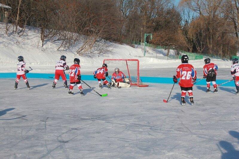 Le plaisir du hockey extérieur au coeur de la Coupe Best Buy
