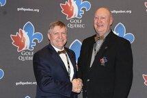Denis Loiselle, président de Golf Québec, à droite.
