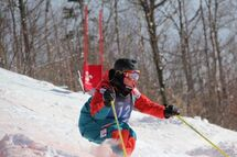 Le Boisbriannais Justin Léger s'est fracturé les deux clavicules en l'espace d'un an, mais il entend bien faire sa marque en ski acrobatique dans l'épreuve des bosses.