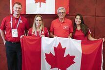 De gauche à droite sur la photo : Le chef de mission de l'équipe canadienne M. Darren Cates, Arielle Roy-Petitclerc, Le Directeur Exécutif du Bureau Commercial du Canada à Taipei M. Mario Ste-Marie, L'assistante chef de mission Mme Lia Taha Cheng