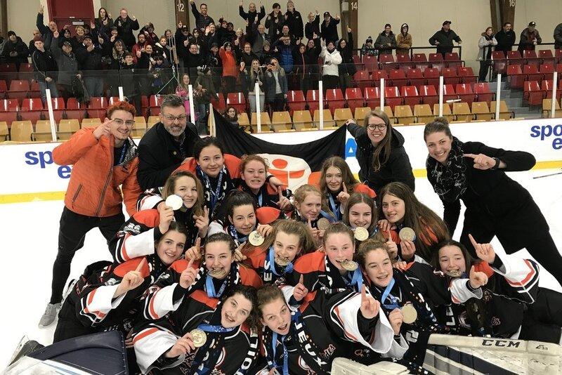 Les Laurentides se couvrent d'or en hockey féminin à la 54ième finale des Jeux du Québec