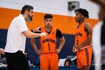 Viorel Mocanu, entraîneur-chef du Boomerang, Manjinder Singh et Régis Eklo - Crédit photo - James Hajjar