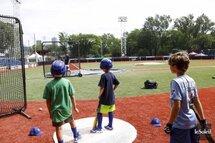 Après avoir atteint l'an dernier le chiffre de 30 000 jeunes participants, le même nombre que lors de la dernière saison des Expos en 2004, Baseball Québec répertorie cette année 32 000 jeunes joueurs, une première depuis que «Nos Amours» sont parti pour Washington.