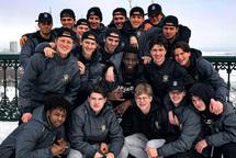 Les joueurs des Gaulois dans le vieux-Québec avant le deuxième match de la série.