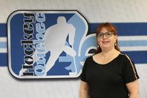 Hockey Québec souligne les 25 années de service de Mme Francine Deschênes