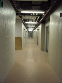 Couloir des 12 vestiaires
