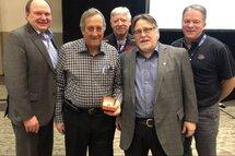 Le Comité provincial initiation de Hockey Québec rend hommage à Marcel Laflamme