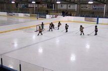 On se prépare pour le programme novice demi-glace à Hockey Québec Chaudière-Appalaches
