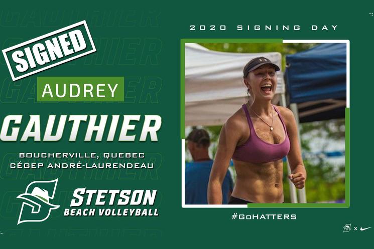 Audrey Gauthier, une première en volleyball de plage.