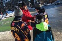 Isaak Sansregret et Zachary Morin se sont déplacé au centre-ville de Montréal afin de réchauffer le coeur de certains sans abris.