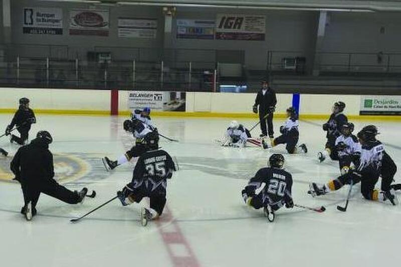 Du hockey adapté pour les jeunes TSA à Chambly