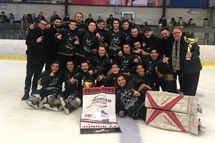 Le Junior AA champion du tournoi de Mirabel