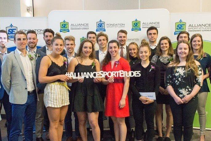 22 étudiants-athlètes honorés pour leur excellence académique et sportive et pour leur persévérance