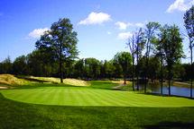 Mystic Pines Golf & Country Club: tout nouveau tout beau!