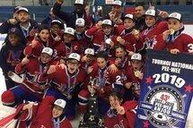 PeeWee AA Royal Ouest - Champions à Anjou!!