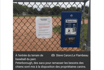 Dépôt de la pétition Contre le projet pilote sur l'utilisation des terrains de Baseball comme parc à Chien à Anjou