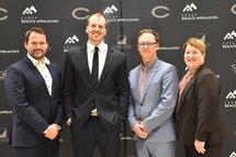 L'entraineur-chef, Pier-Alexandre Poulin, accompagné des membres de la direction du Cégep Beauce-Appalaches