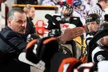 L'entraîneur Félix Potvin a vu ses protégés signer deux victoires sur la route en ce premier weekend. (Photo : Matthew Murnaghan, Hockey Canada)