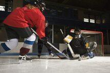Les jeunes filles invitées à essayer le hockey sur glace