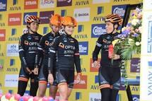 Lex Albrecht et ses co-équipères de Optum Pro Cycling au Tour Aviva en Grand Bretagne