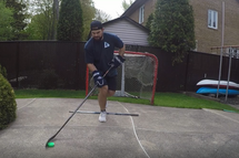 À faire à la maison : des exercices de hockey pour garder la forme