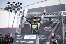 À son premier départ l'an dernier dans la division canadienne de NASCAR sur le circuit urbain de Toronto, Alex Tagliani avait inscrit son quatrième triomphe en série, son deuxième en 2016. Tag vise une deuxième victoire d'affilée ce weekend au Toronto Indy lors de la course NASCAR Pinty's, une sixième en série.
