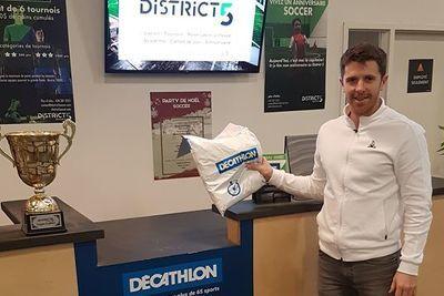 """""""Cliquez et ramassez"""" avec Décathlon au District 5"""