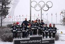Les Ambassadeurs Novice B sont parmi les heureux gagnants du concours de photo d'équipe du Festival Hockey Mineur Esso !!!