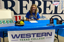 Félicitations à Emma Duncan qui signe avec Western Texas College dans la NJCAA