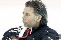 L'entraîneur-chef Pierre Grandmaison estime ses Flames de Gatineau jouent mieux que leur fiche ne laisse croire. PATRICK WOODBURY, ARCHIVES LEDROIT