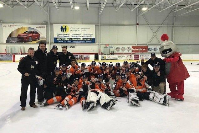 Les Cantonniers de l'Estrie et le RSEQ Blanc sont champions de la Coupe belairdirect