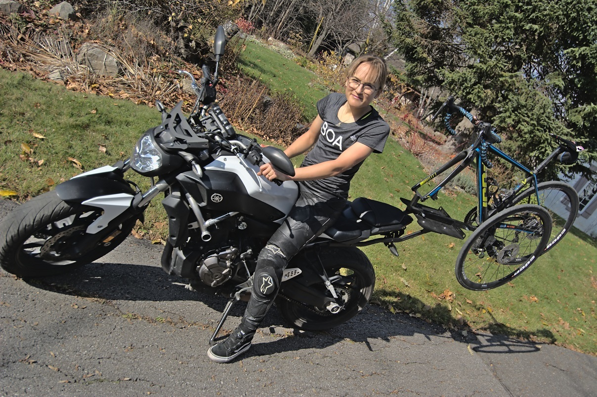 Lex Albrecht, cyclist, motorcycle, yamaha fz-07, 2x2 cycles, motorcycle rack, bicycle rack for motorcycle, yamaha