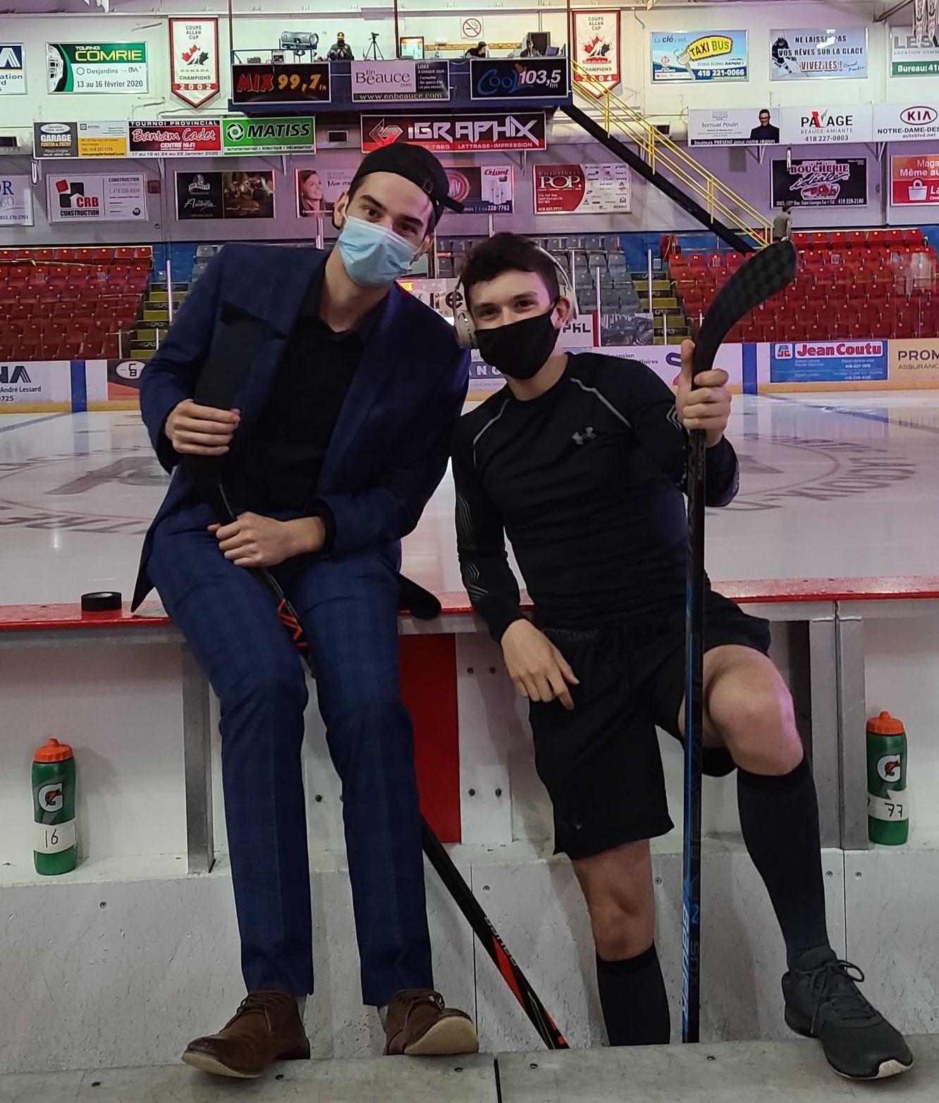 Nathan Pelletier et Elliot Dutil en préparation d'avant-match.