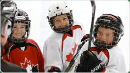 Enfant jouant au hockey